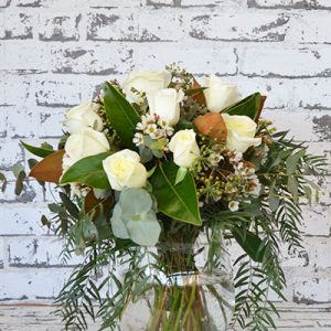 Scentsational Flowers - White Rose Posy in Vase